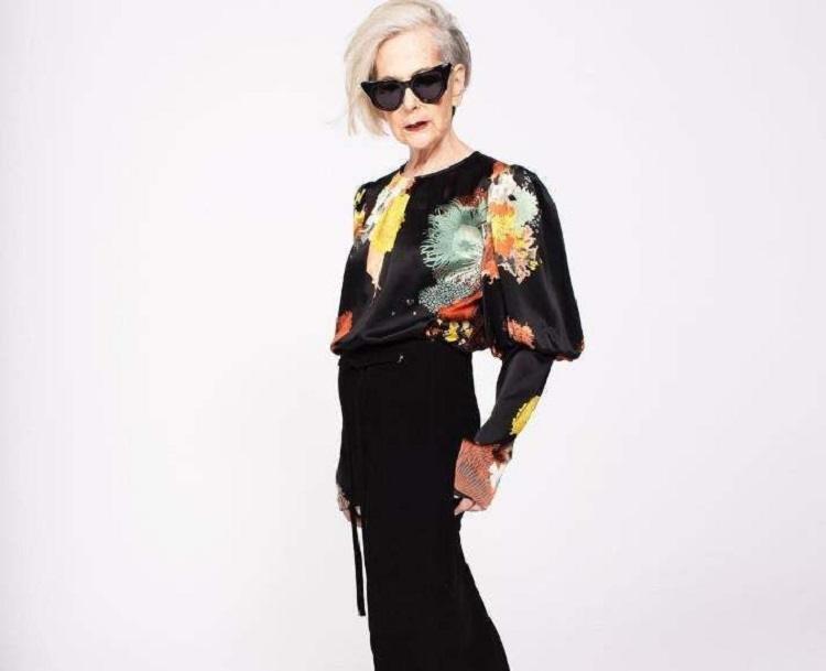 Она не носит длинные юбки и косынки… 63-летняя леди бомбит мир моды
