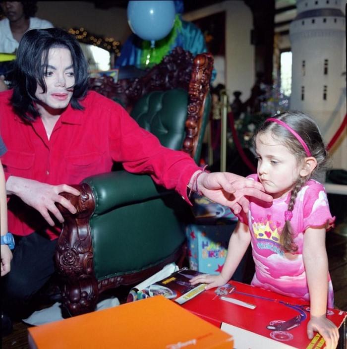 Эта девушка в центре внимания всех мировых СМИ! Вы удивитесь, когда узнаете, чья она дочь!