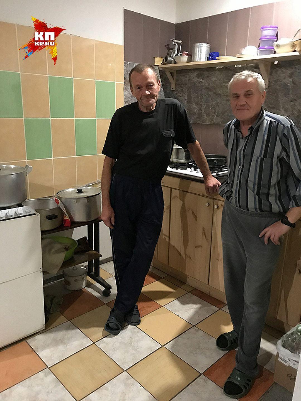 Олигарх, пожив в трущобах Владимира, раздарил жилья на 23 миллиона рублей