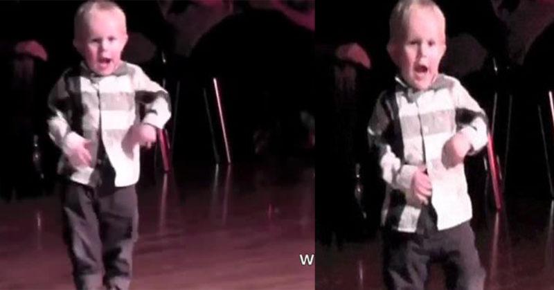 Видео с 2-х годовалым танцором собрало 33 000 000 просмотров. Какой забавный малыш!