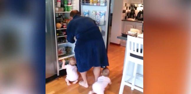 Что может произойти, когда папа и двойняшки возле холодильника?