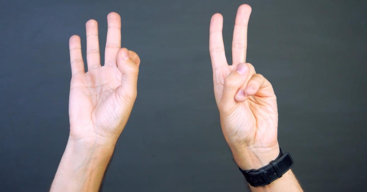 Лишь 4% населения могут так сделать пальцами