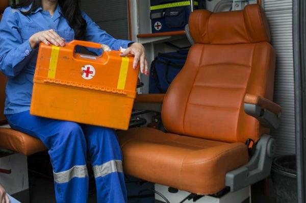 Врач скорой помощи приняла роды у бездомной женщины, которая жила в вагоне