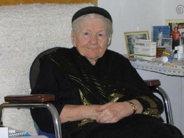 В годы войны эта девушка бросала еврейских детей через заборы!