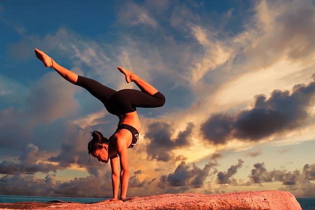 Йога от депрессии: упражнения, которые помогут справиться с негативным состоянием